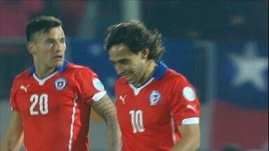Valdivia joga bem, mas Chile tem dois gols anulados e fica no empate com o México - Anfitriões da Copa América saem atrás, viram e depois sofrem o 3 a 3