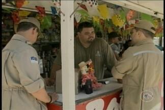 Corpo de Bombeiros fiscalizou barracas que vendem fogos de artifício em Petrolina - A fiscalização foi coordenada pelo Comandante do Centro de Atividades Técnicas, Major Charles.