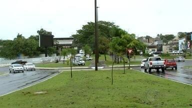 Vence prazo para mudanças na rotatória da avenida Mato Grosso com a Via Park - Rotatória é considerada problemática em horários de pico.