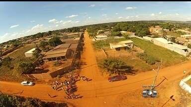 Moradores reclamam de poeira no Jardim Miramar, em Aparecida de Goiânia - Falta de asfalto é o principal problema do setor.