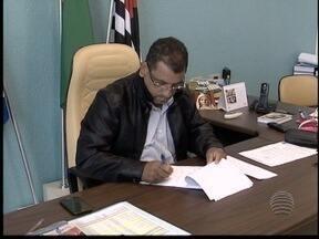 Novo prefeito inicia trabalhos em Euclides da Cunha Paulista - TRE alegou não ter recebido liminar que mantém antiga prefeita Camila Lima.