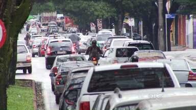 A frota de Maringá passa de 300 mil veículos - O resultado é congestionamento e motorista estressado