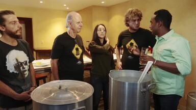 """Hoje é dia de subir a serra: Cerveja - Alexandre Henderson vai conhecer uma cervejaria artesanal de Petrópolis. Lá, aprende a fazer uma """"cerveja na panela"""", metódo caseiro de fabricação."""