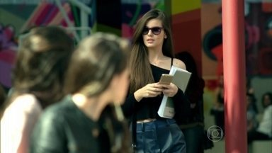 Angel surpreende colegas com novo look - Giovanna fala de plano secreto envolvendo a modelo