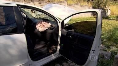 Carro roubado com placa clonada é apreendido em BH - Veículo tinha mesma placa de carro no interior do estado