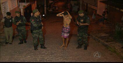 Operação policial prende suspeitos de assassinato em João Pessoa - Dois adolescentes foram detidos durante a ação.