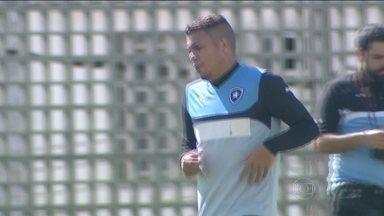 Líder da Série B , Botafogo pode ter retorno de Thiago Carleto contra o Macaé - Alvinegro está invicto na competição.