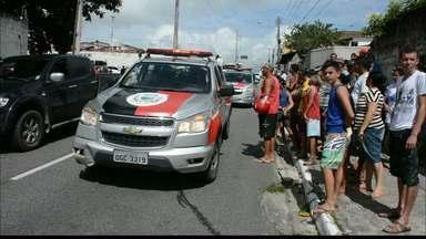 Suspeitos de assalto trocam tiros com a Políca e são presos em João Pessoa - Após uma denúncia os bandidos foram encontrados e detidos pela Polícia no bairro de Mandacaru.