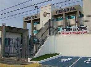 Em Caruaru, servidores da Justiça Federal estão em greve - Somente casos de urgência estão sendo atendidos. Categoria reivindica reajuste salarial.