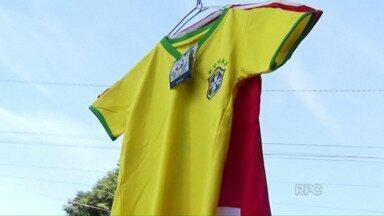 Clássico entre Brasil e Paraguai mexe com os ânimos na fronteira - Jogo vale vaga na semifinal da Copa América. Em Cidade do Leste os estrangeiros estão otimistas