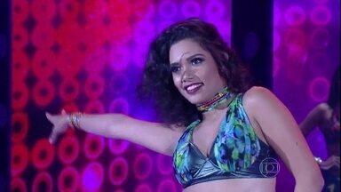 """Amanda de Souza escolhe """"Rabiosa"""" para o """"Concurso das Bailarinas"""" - Gata dançou ao som de Shakira"""