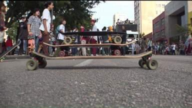 """Curitiba sedia """"Go skate day"""" - Amantes do skate tomam as ruas de Curitiba para mostrar a importância do esporte."""