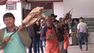 Termina hoje a tradicional festa de São Pedro, o padroeiro do município de Pato Branco - As comemorações começaram dia dezenove de junho e envolveu mais de cem voluntários em cada dia de festa.