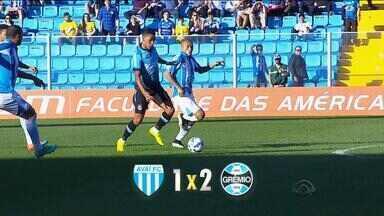 Grêmio vence primeira partida fora de casa no Brasileirão - No sábado (27), Tricolor fez 2 a 1 sobre o Avaí em Florianópolis.