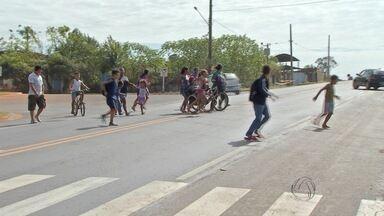Pedestres relatam medo para atravessar rodovias em Campo Grande - Pessoas pedem a implantação de passarelas para aumentar a segurança