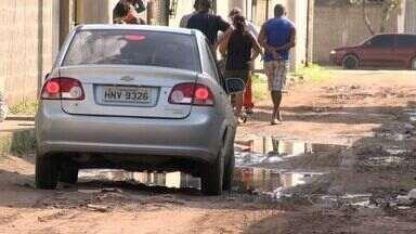 Urna ESTV: moradores de bairro de Vila Velha, ES, pedem calaçamento - Moradores pedem calçamento em quatro ruas do bairro Santa Rita. Prefeitura deu previsão para pavimentação.