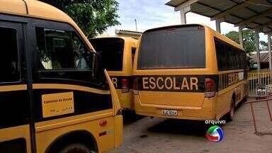 Estudantes deficientes da rede pública de Cuiabá estão sem ônibus para ir as aulas - Estudantes deficientes da rede pública de Cuiabá estão sem ônibus para ir as aulas