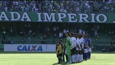 Coritiba vence o Cruzeiro, mas conitnua na zona de rebaixamento. - E o Atlético perde a chance de se manter mais perto dos líderes.