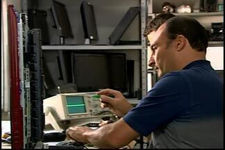 Demanda por consertos de eletrodomésticos cresce em Divinópolis - Crise econômica e instabilidade financeira são motivos alegados. Hábito do passado tem retornado