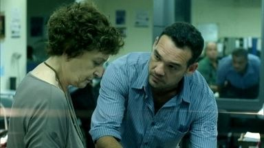 Hilda descobre a verdade sobre Angel - A jovem implora para que a avó não conte nada para Carolina