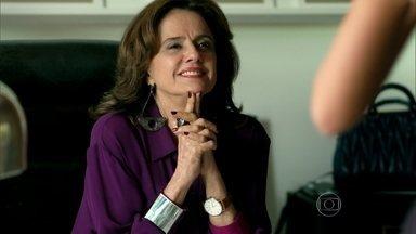 Fanny orienta Mayra para encontro com Alex - Visky conta para a empresária que todos na agência já sabem que Giovanna ficou com Anthony