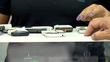 Polícia Militar faz operação em Betim para combater venda de celulares roubados - Nos últimos dois anos, o número de ocorrências de roubos de aparelhos quase dobrou.