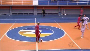 Copa Centro América é marcada por belos gols - Equipes disputam a maior competição de futsal de Mato Grosso