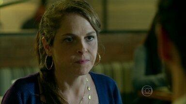 Carolina marca consulta para Angel - Everaldo promete cuidar muito bem da filha da secretária