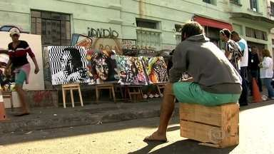 Artista plástico usa o grafite para recuperar usuários de crack - O grafiteiro Eduardo Kobra, um dos grandes nomes da arte paulistana, comanda o projeto 'São Paulo: Uma Realidade Aumentada', que está colorindo a região da Cacrolândia.
