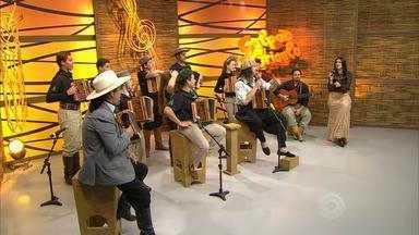 Bloco 4 – Borghetti toca 'Minuano', 'Merceditas' e 'Missioneiro' - Assista ao vídeo.