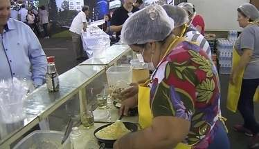 Festa do Ovo começa em Bastos com várias atrações - Foi aberta oficialmente ao público a Festa do Ovo em Bastos. A competição entre as granjas para definir os ovos de melhor qualidade já foi realizado na festa, que tem o apoio da TV TEM.