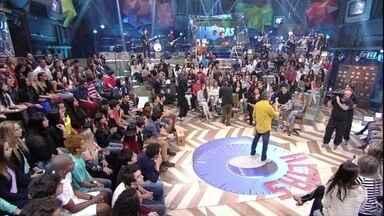 Serginho Groisman apresenta o quadro 'Com quem pareço' - Pessoas contam com que se parecem com celebridades