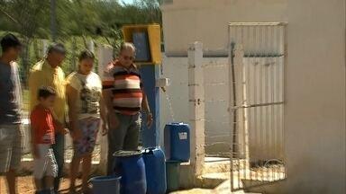 Dessalinizador que não usa energia elétrica trata 5 mil litros de água por dia - Quantidade de água é capaz de abastecer cada morador com 20 mil litros de água por dia. O projeto do governo do estado é levar essa solução para outras cidades.