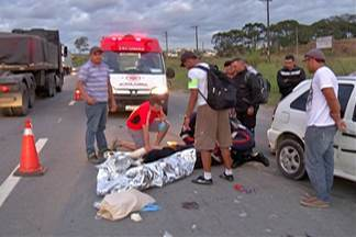 Acidente na Mogi-Dutra deixa uma pessoa ferida - O acidente envolveu uma motocicleta e um carro nesta segunda-feira (20).
