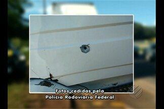 Motorista foi baleado no Km-26 da Br-316 - De acordo com a PRF, uma batida envolvendo um caminhão e um carro menor foi registrada.