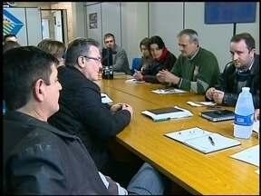 Reunião da AMAU avalia proposta da FHSTE - Os municípios da AMAU podem definir se pagam ou não pelos atendimentos no Hospital Santa Terezinha.