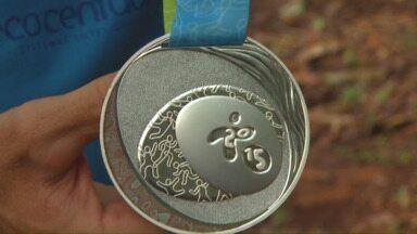 Canoístas comemoram bons resultado em competição no Canadá - Esta foi a primeira vez que o Brasil conquista medalha na canoagem feminina em um Pan. Resultado foi apertado.