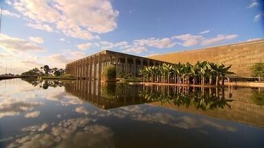 Confira dicas para aproveitar Brasília nas férias - A arquitetura da Esplanada dos Ministérios já é uma atração. A Catedral é um dos pontos favoritos dos turistas. A Torre de TV é inspirada na Torre Eiffel.