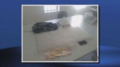 Adolescente é apreendido com mais de 1,1 mil pinos de cocaína em Pouso Alegre (MG) - Adolescente é apreendido com mais de 1,1 mil pinos de cocaína em Pouso Alegre (MG)