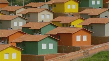 """Moradores de São Sebastião do Paraíso (MG) esperam por imóveis do """"Minha Casa, Minha Vida"""" - Moradores de São Sebastião do Paraíso (MG) esperam por imóveis do """"Minha Casa, Minha Vida"""""""
