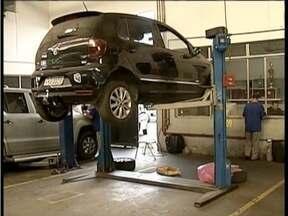 Donos de veículos automotores devem ficar em dia com revisão e manutenção - Durante o período de férias movimento de veículos aumentam nas estradas.