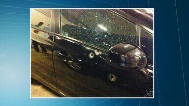 Justiça do Ceará dá prazo para desembargador explicar marcas de tiros em carro oficial - Desembargador tem cinco dias para apresentar explicação