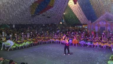 """Quadrilha Junina """"Moleka 100 Vergonha"""" volta com prêmio nacional - Ela se destacou entre as melhores do Brasil."""
