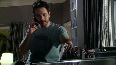 Murilo aconselha Raul a dizer onde está o dinheiro da empresa - Camila pede que Seu Cadore interfira na briga entre os irmão para apaziguar a situação. Sílvia descobre que Yvone está no Brasil