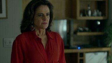 Capítulo de 28/07/2015 - Fanny briga com Giovanna e exige que Anthony se afaste de sua vida