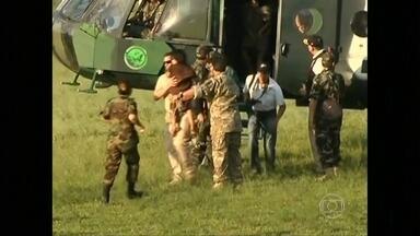 Forças Armadas do Peru resgatam 39 pessoas sequestradas há mais de 25 anos - Na década de 80, o grupo Sendero Luminoso sequestrou 13 mulheres. No acampamento, nasceram 26 crianças que foram doutrinadas pelos guerrilheiros.