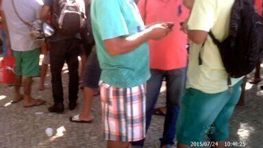 Polícia promete reforçar combate à venda de produtos roubados - Lojas de celulares dizem ter prejuízo de mais de R$ 1 milhão neste ano com roubo de aparelhos.