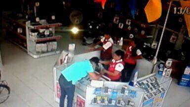 Após denúncia do CETV, polícia vai reforçar combate à comércio de produtos roubados - Celulares, aparelhos e equipamentos de informática são comercializados livremente nas feiras.
