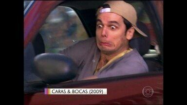 Otaviano Costa é mestre em atropelar mulheres bonitas na TV - O apresentador prova que homem também manda mal no volante