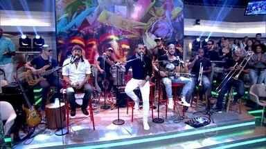 Bell Marques e banda Oito7Nove4 abrem o Encontro - Com nova formação, baiano mostra suas novas músicas